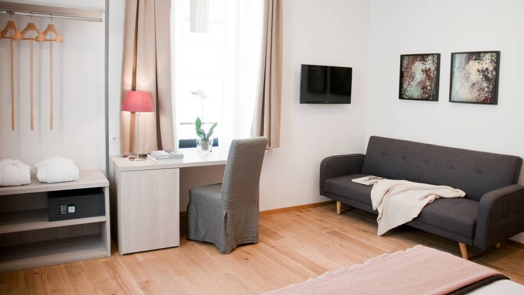 gh-collection-rome-giuturna-boutique-hotel-room-8