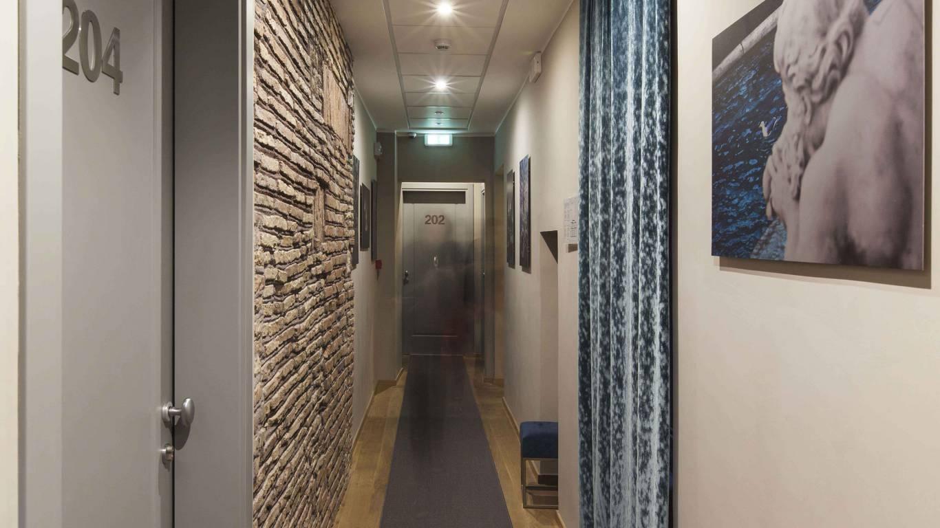 gh-collection-rome-corridor-4159