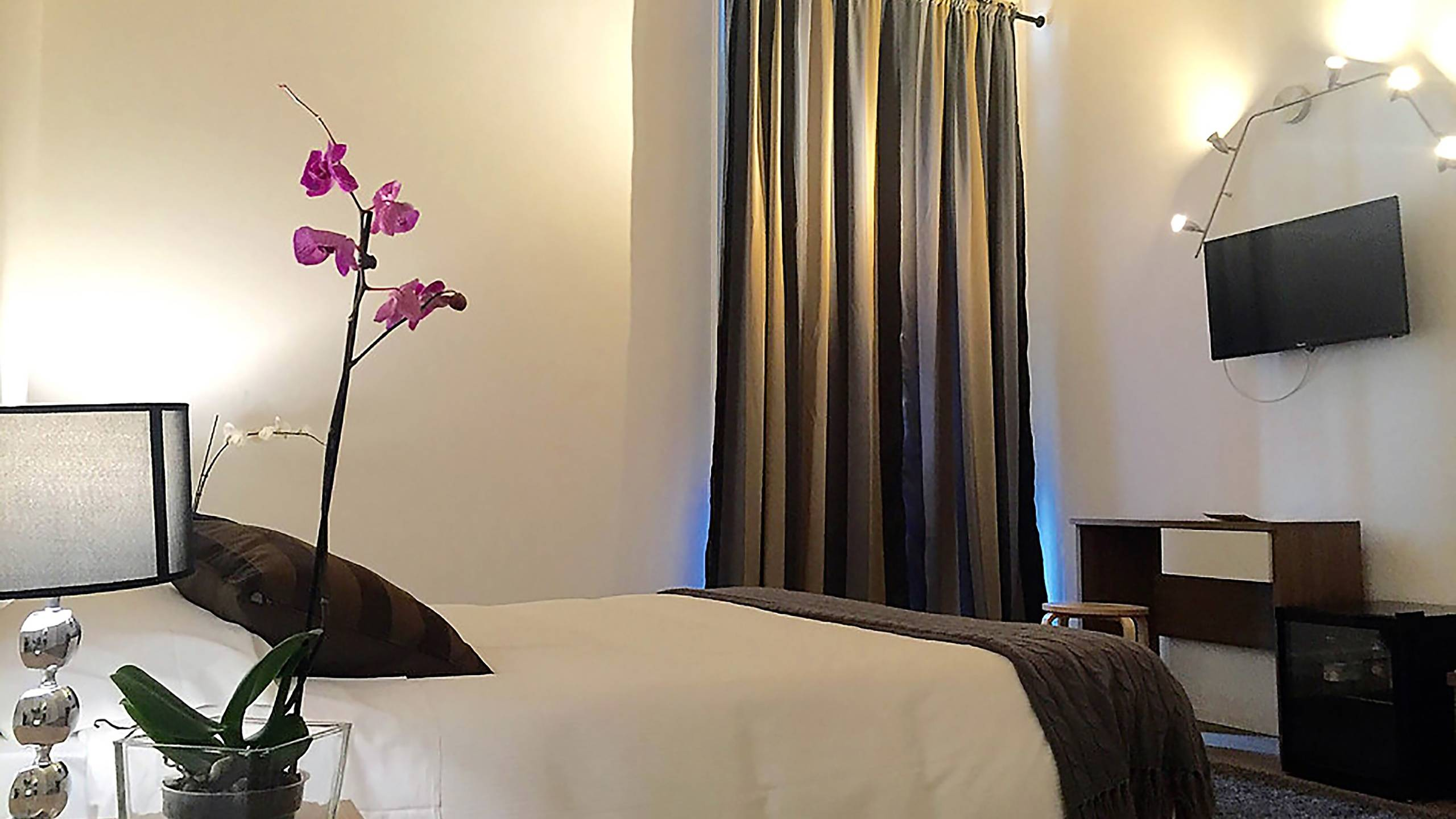 gh-collection-rome-Iuturna-guesthouse-room-3